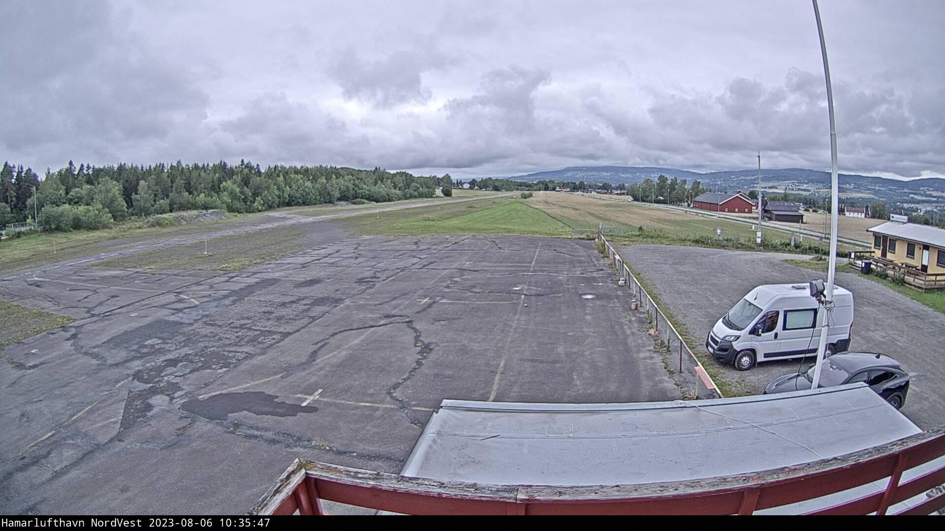 Hamar - Hamar vliegveld; richting noordwest